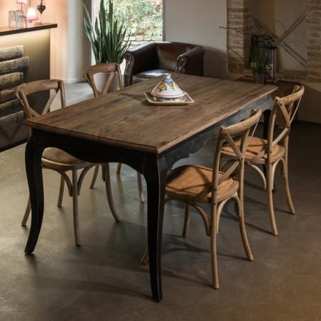 Tavolo da pranzo nero stile provenzale