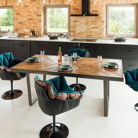 Tavolo Fenix design in legno riciclato e metallo